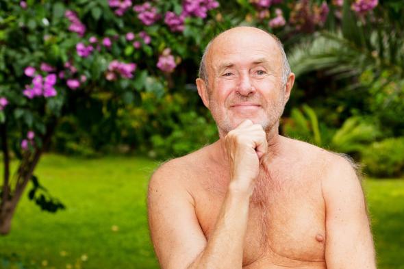 Wer möchte kann am 4. Mai dem World Naked Gardening Day auch ohne Klamotten gärtnern.
