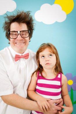 Skurrile Namensgebung - Nerd-Dad mit seiner Tochter