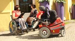 Neue Wege und Routen mit dem Rollstuhl erkunden