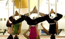 Neuer Fitnesstrend - Anti-Gravity-Yoga