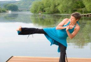 NIA - beinhaltet auch  Bewegungen aus Kampfsportarten
