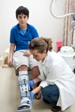 Osteogenesis Imperfecta - dieser Junge leidet unter der Glasknochenkrankheit