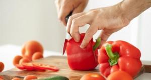 Wer Paprika isst, kann dem Parkinson vorbeugen.