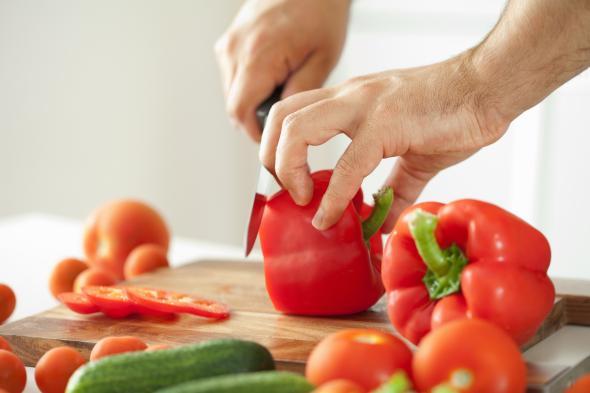 Wer Paprika isst, kann Parkinson vorbeugen.