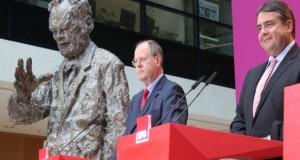 SPD-Parteichef Sigmar Gabriel ist sich sicher, das der Kanzlerkandidat Peer Steinbrück die Wahl gewinnt.