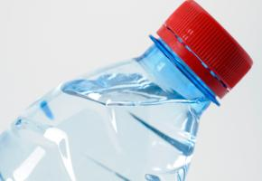 Plastikflaschen enthalten das Plastikhormon Bisphenol A