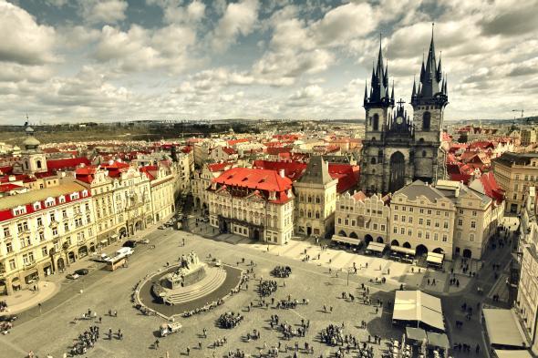 Prag ist eine Sehnenswürdigkeit und immer eine Reise wert.