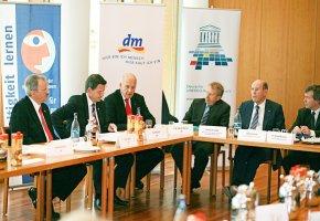 Pressekonferenz mit Prof. Götz Wolfgang Werner - dm Drogeriemarkt