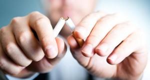 Raucher die aufhören mit dem Rauchen, profitieren langfristig davon.