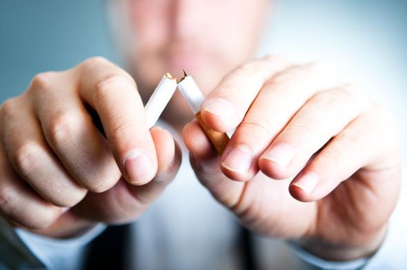 Raucher die mit dem Rauchen aufhören, profitieren langfristig davon.