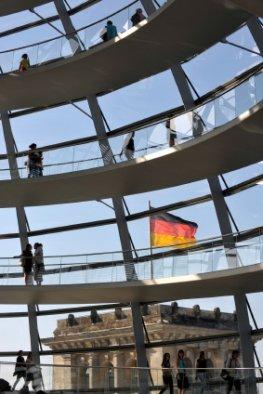 Reichstagskuppel - Besucher im Reichstag