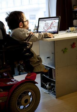 Rollstuhlgerechte Orte mit Wheelmap im Internet finden