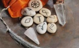 Runen sollen für Reichtum sorgen