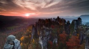 Sächsische Schweiz - Elbsandsteingebirge: Wunderschönes Panorama mit Sonnenuntergang