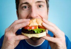 Schlechte Ernährung lässt das Gehirn schrumpfen