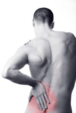 Schmerzen am Rücken. Wärme kann helfen.