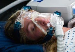 Schlaflabor - Schnarcher mit Überdruckmaske haben niedrigere Blutfettwerte als Patienten ohne Maske