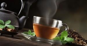 Eine Tasse Tee und Kanne