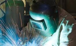 Schweiߟer bei der Arbeit - die Deutschen profitieren vom Konjunkturaufschwung
