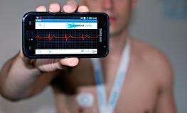 Self-Hacking: EKG-Signale werden drahtlos an das Android-Smartphone übermittelt
