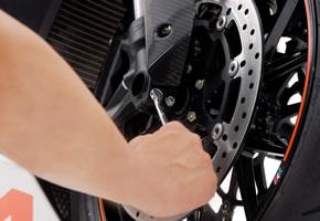 Sicherheitscheck der Motorrad Bremsanlage