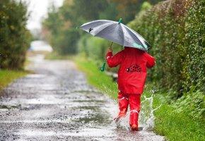 Sicherheitskleidung: Kind auf dem Schulweg