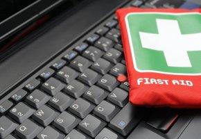 First aid kit: Sicherheitspaket und Erste-Hilfe für den Computer