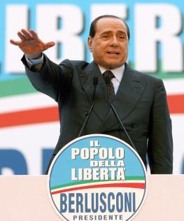 Minsterpräsident Berlusconi hält eine Wahlkampfrede