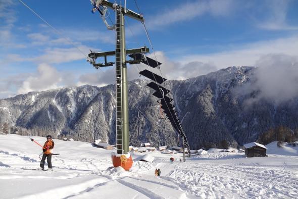 Skilift in der Schweiz mit Fotovoltaik