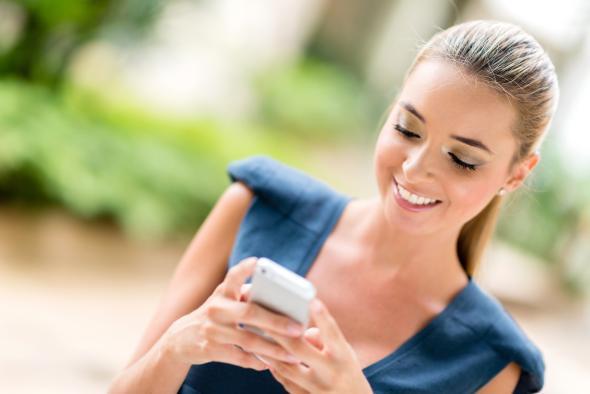 Das Smartphone macht süchtig, sagen zwei Studien.