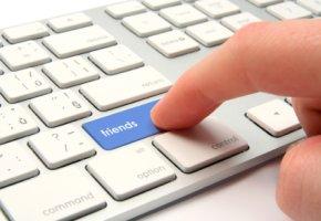 Falsche Freunde: Social Network - Socialbots erzeugen falsche Facebook-Freundschaften