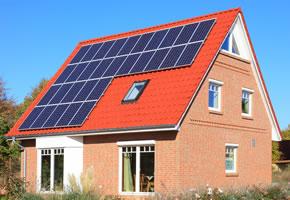 Das Solardach kann zur Warmwassergewinnung genutzt werden