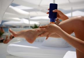 Sonnencreme schützt die Haut