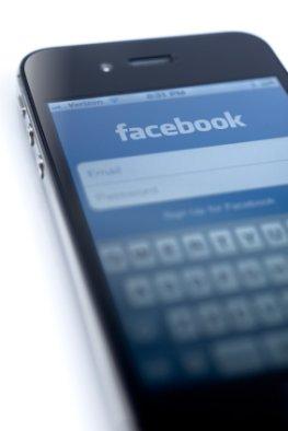 Soziale Netzwerke über das Handy nutzen