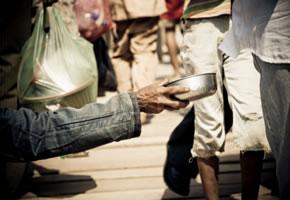 Sozialschwache betteln um Essen