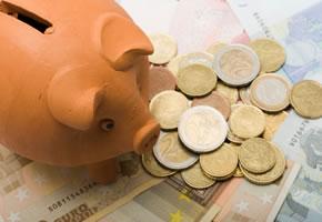 Geld sparen - Das Geld zur Bank oder in das Sparschwein?