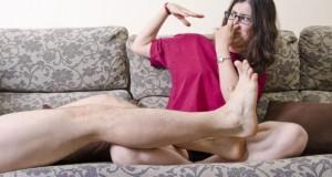 Stinkende Füße - Fußgeruch kann viele Ursachen haben.