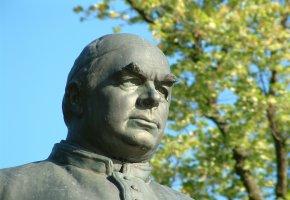 Statue in Bad Wörishofen: Pfarrer Sebastian Kneipp