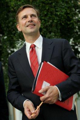 Steffen Seibert wurde 2010 Regierungssprecher von Angela Merkel