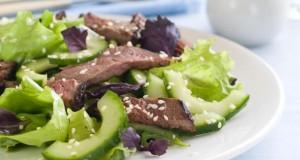Straußenfleisch ist fettarm und gesund.