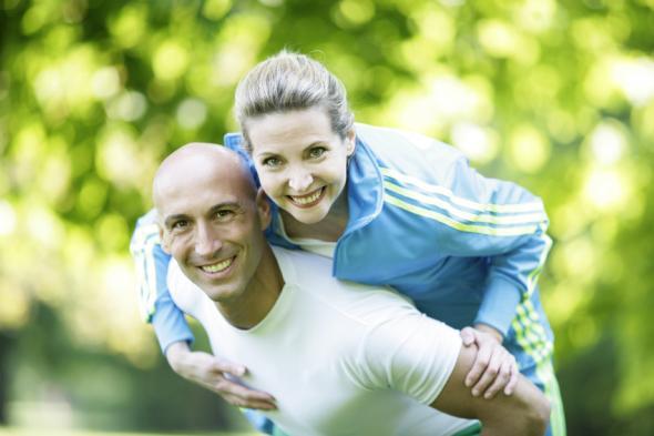 Stretching bzw. Dehnübungen bringen mehr Beweglichkeit für Gelenke.