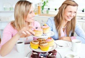Süße Leckereien: Cupcakes und Donuts