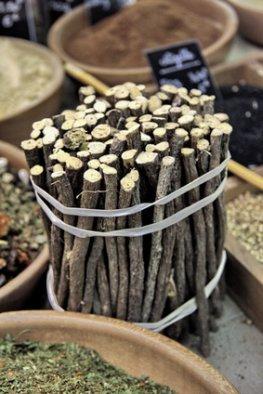 Süßholz ist die Arzneipflanze 2012