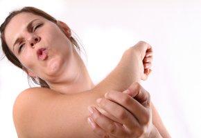 Tennisarm: Sehnenansatzentzündung der Unterarmstreckmuskulatur