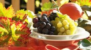 Tischdekoration für die Gartenparty