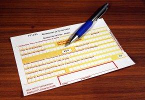 Überweisung - das Geld wird per Formular überwiesen