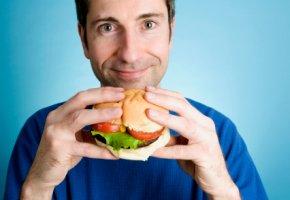 Ungesunde Ernährung hat Auswirkungen auf das Gehirn