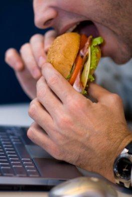 Ungesunde Ernährung im Home Office