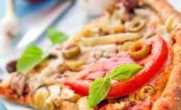 Vegetarische Gemüsepizza mit Chili