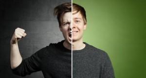 Junger Mann mit zwei Gesichtern: friedlich und gewaltbereit